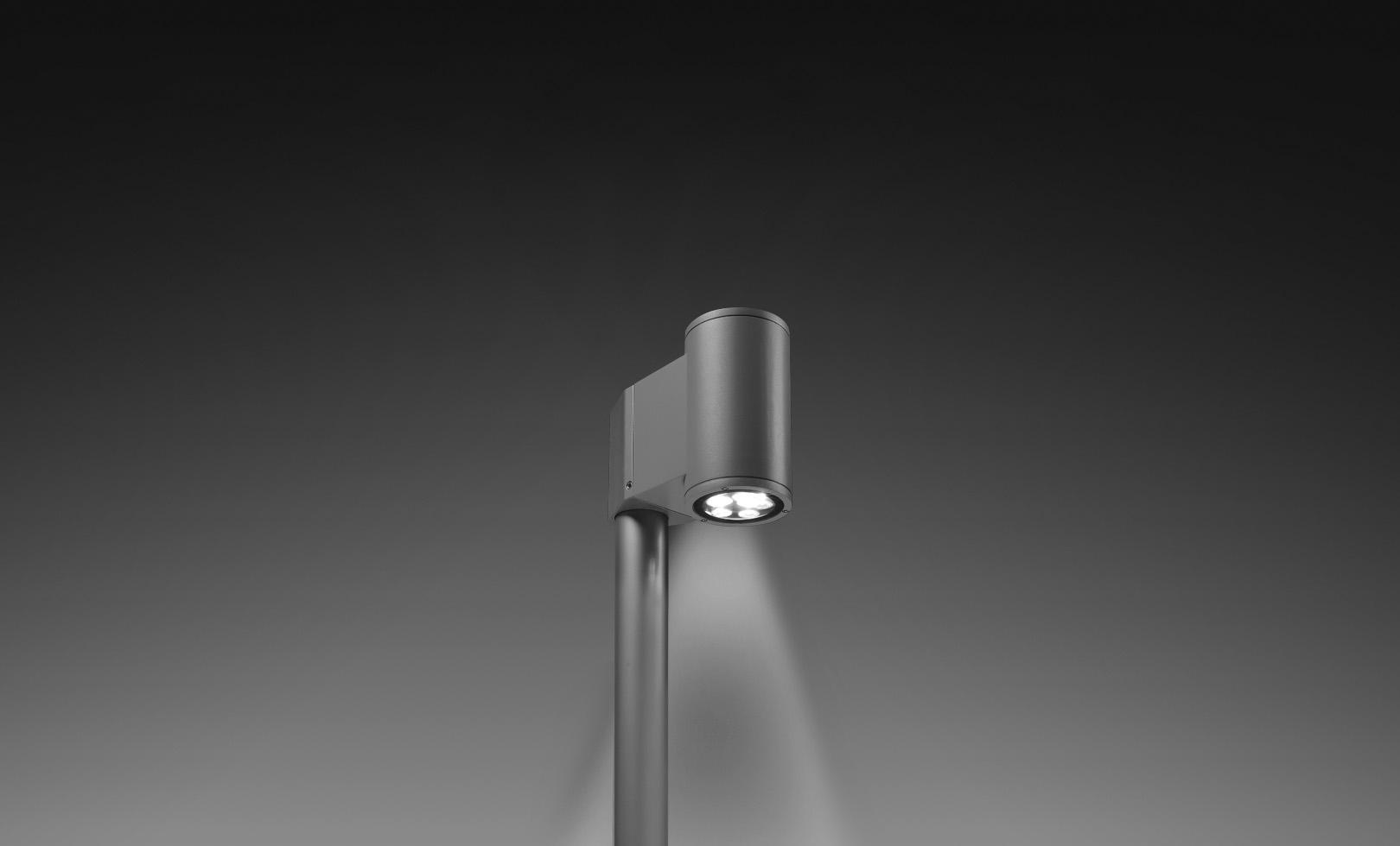 804001 SINGLE TECH POLE-TOP MEDIUM 01 ROUND LED 1x8W 1