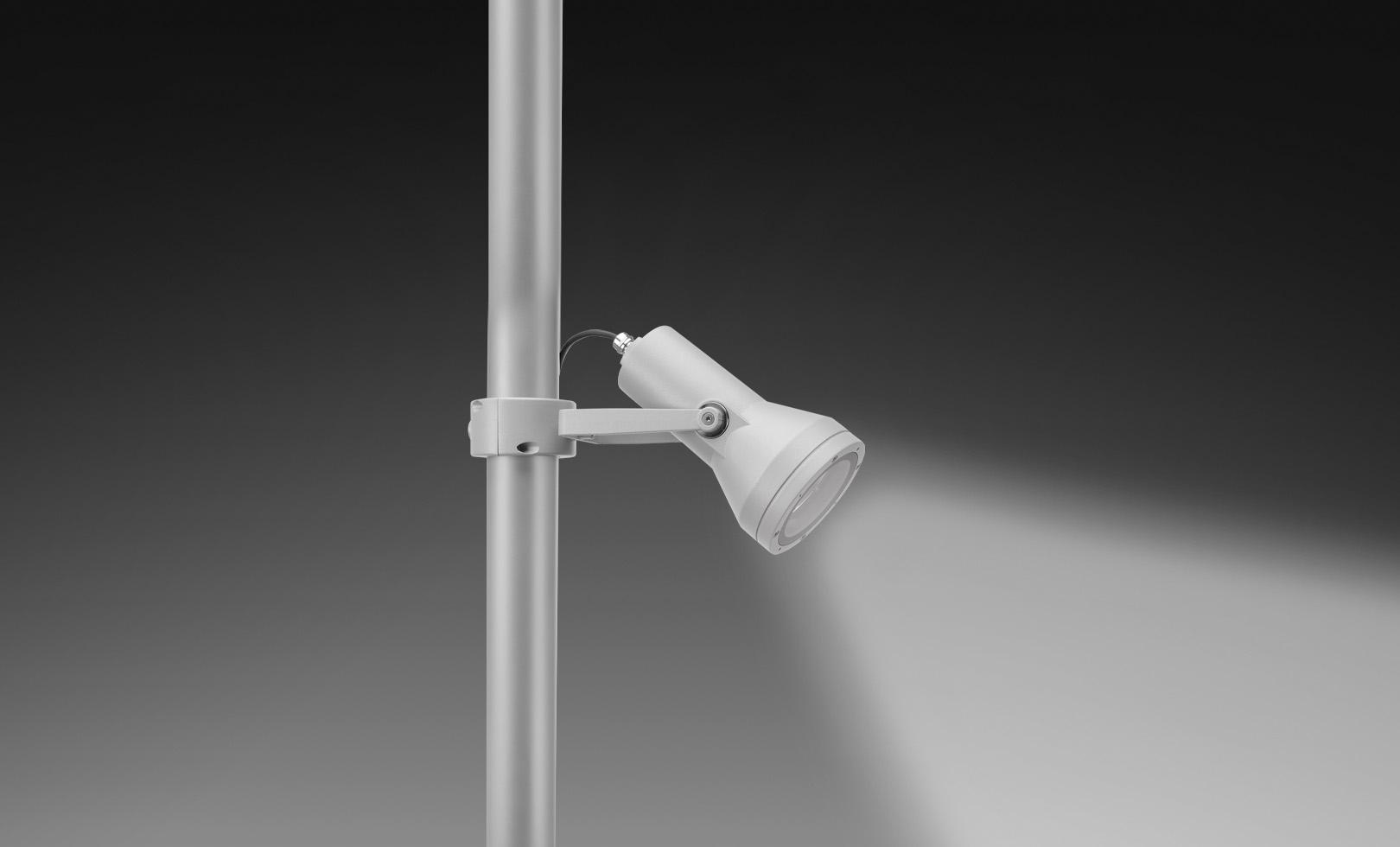 805001-805005 FLASH POLE MEDIUM LED 8W 1