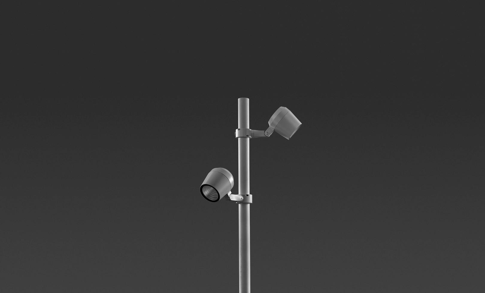 807003-807006 RING POLE MAXI LED 1